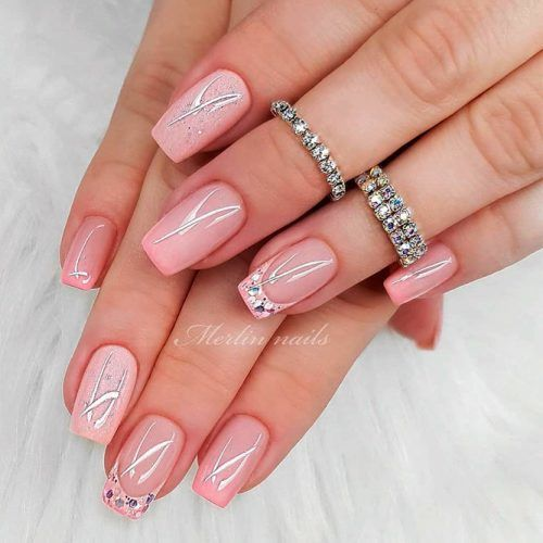 Sparkly Pink Wedding Nails #pinknails #glitternails