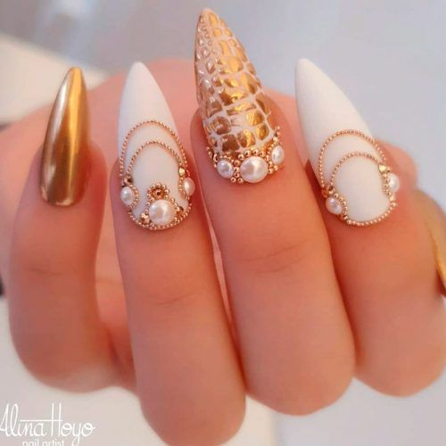 Gold And White Nail Art #goldnails #rhonestonesnails