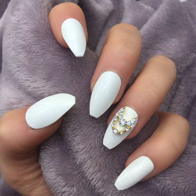 Stunning White Coffin Nail Designs picture 1