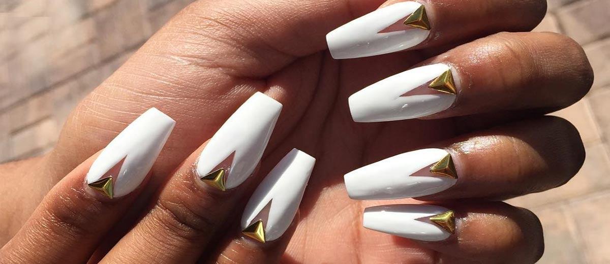 24 Fancy White Coffin Nails Designs