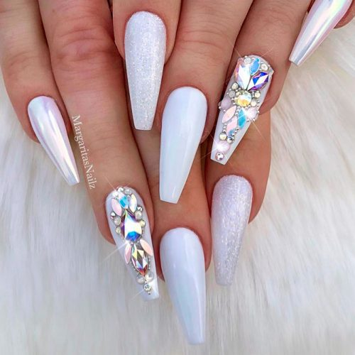 Cute White Coffin Nails Picture 4
