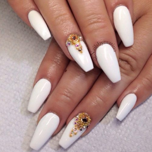 Gorgeous White Coffin Nail Designs picture 3