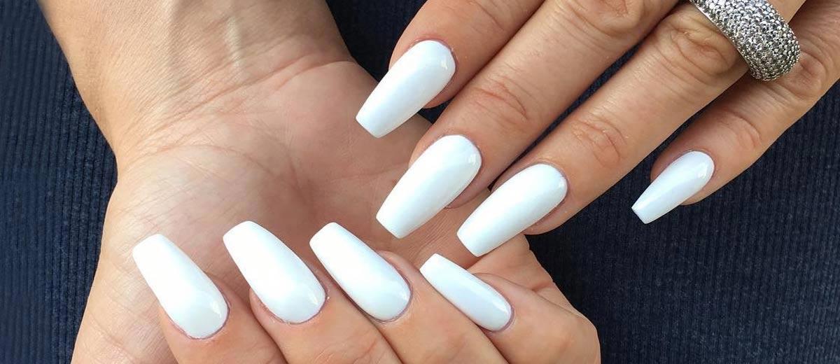 - 33 Fancy White Coffin Nails Designs