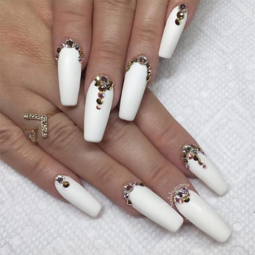 Gorgeous White Coffin Nail Designs picture 6