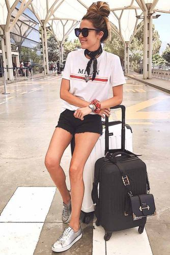 Trendy Airplane Casual Outfit Ideas picture 1
