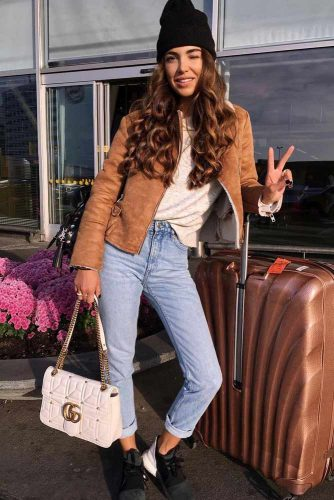 Comfy Travel Outfit Ideas picture 1