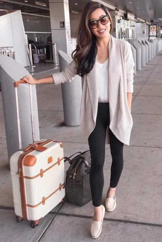 Stylish and Comfy Airport Outfits picture 2