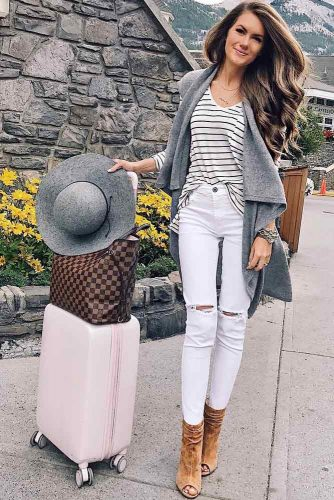 Comfy Travel Outfit Ideas picture 3