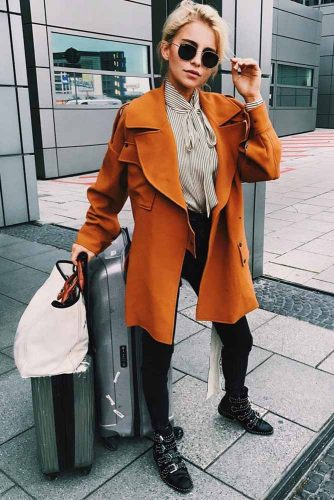 Comfy Travel Outfit Ideas picture 5