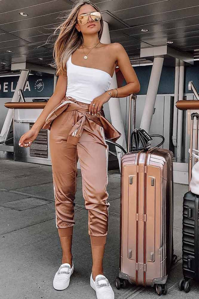 Rose Gold Sport Suit Travel Outfit #rosegold #pants