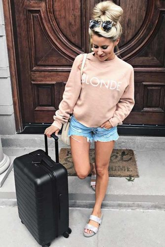 Airplane Outfit Ideas with Shorts picture 6