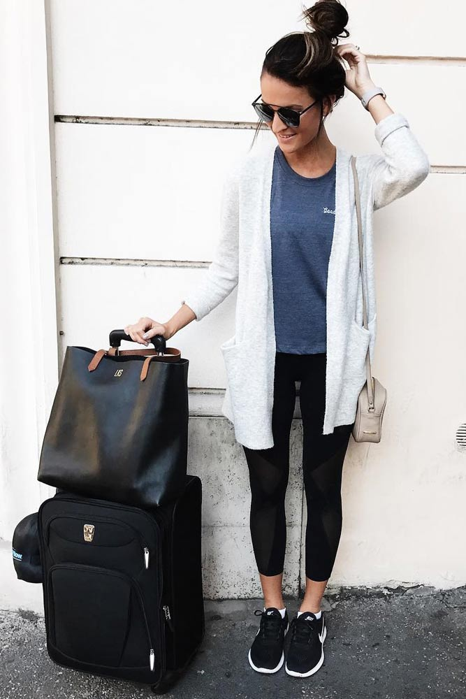 Stylish and Comfy Airport Outfits picture 6