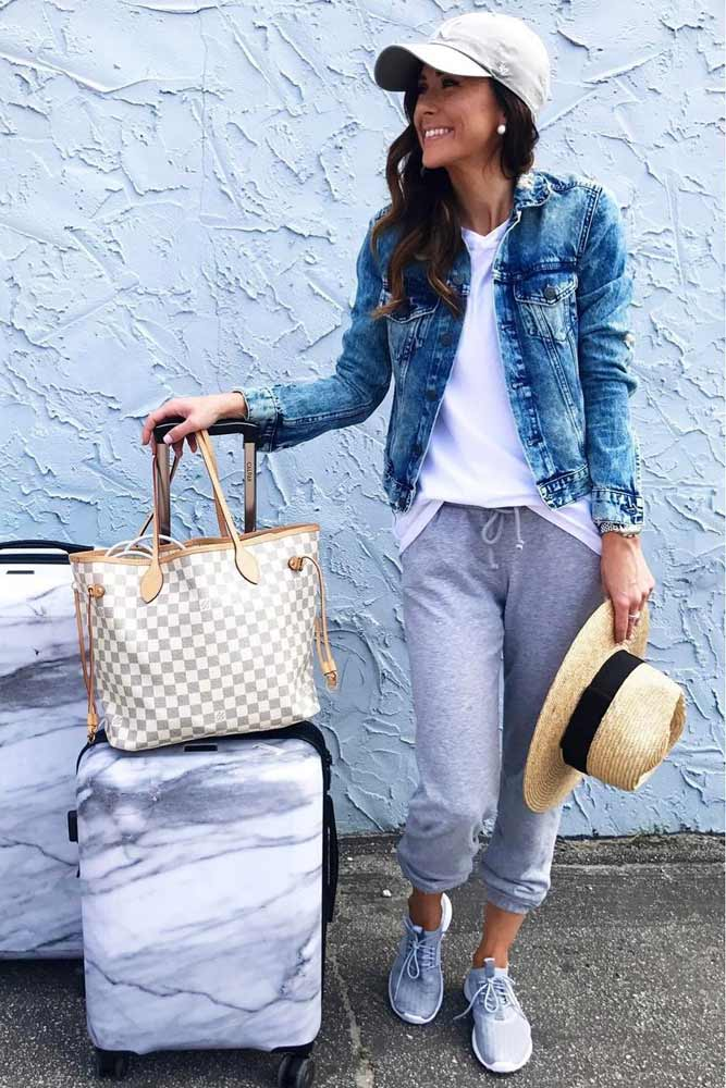 Trendy Airplane Casual Outfit Ideas picture 2