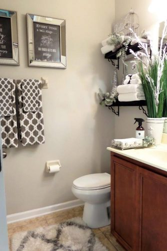 Stylish and Useful Bathroom Decorating picture 5