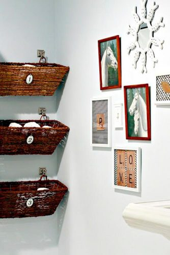 Stylish and Useful Bathroom Decorating picture 3