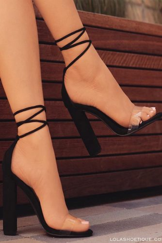Stylish Black Strappy Heels Designs picture 2