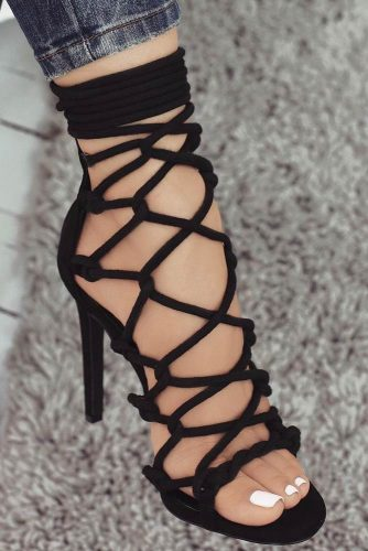 Stunning Black Strappy Heels Designs picture 3