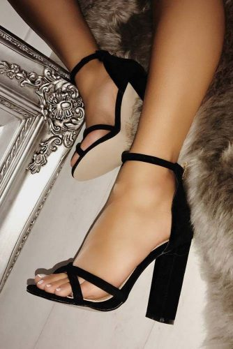 Cute Black Heels Designs picture 2