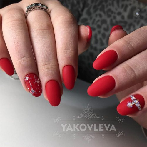 Pretty Nail Designs in Red Color picture 6