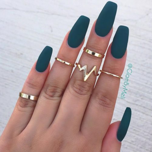 Stunning Green Nail Designs for Any Occasion picture 2