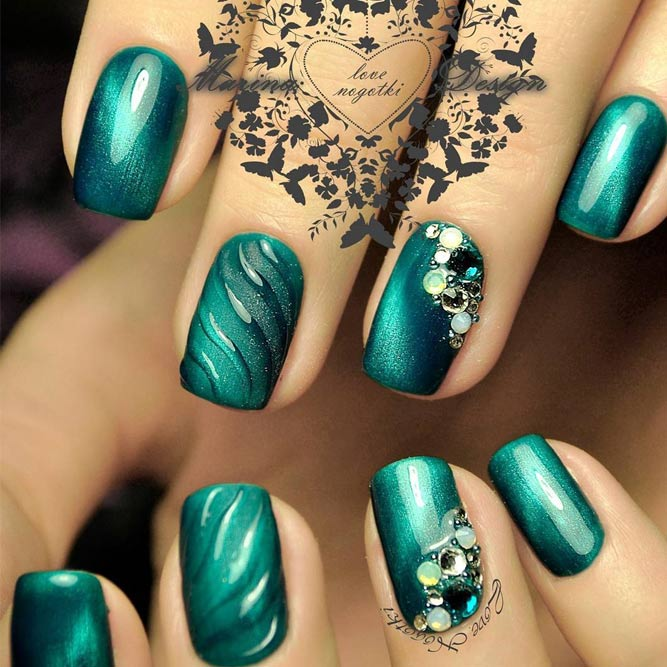 Stunning Green Nail Designs for Any Occasion picture 5