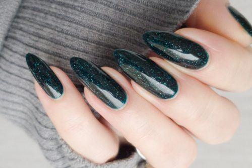 Fresh Green Nails Ideas To Get This Season
