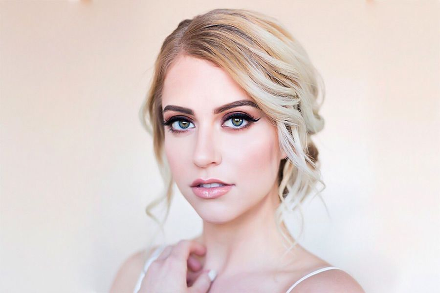 30 Stunning Bridesmaid Updos for a Fabulous Look