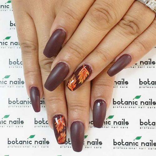 Matte Burgundy Nails With Leaves #mattenails #laevesnaildesign