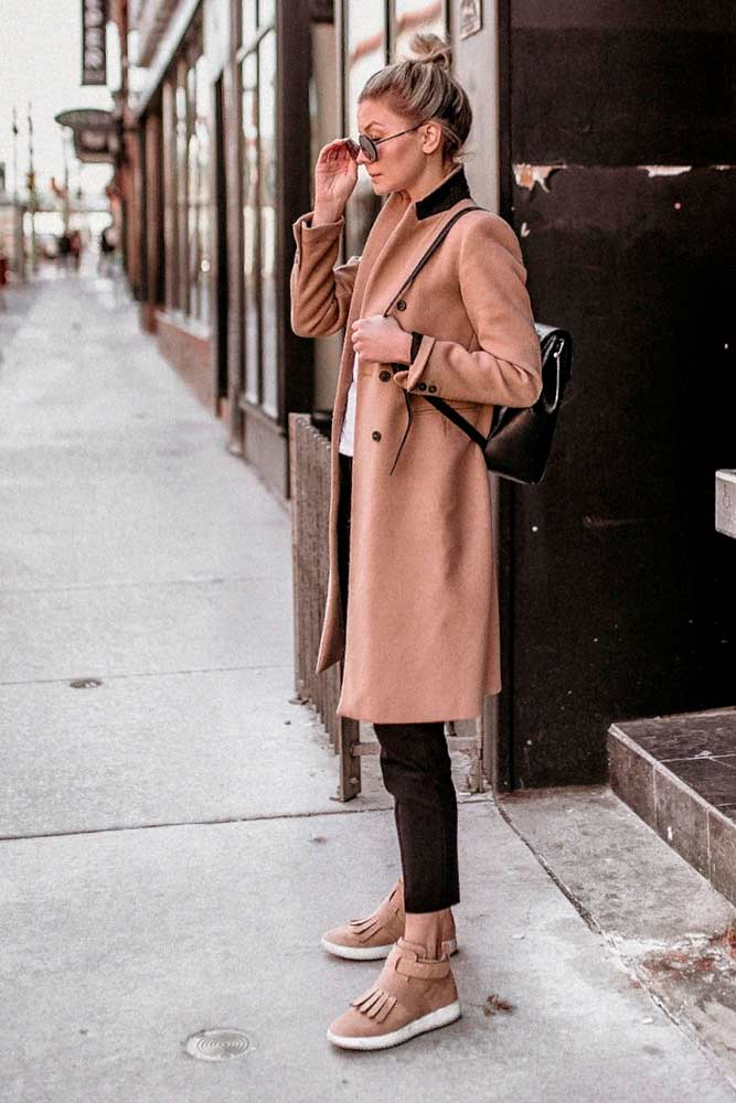 Coat And Boots: Perfect Fall Combination #stylishoutfit #perfectfalllook