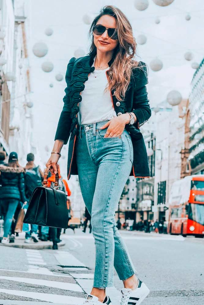 Casual Outfit With A Jacket and High Waisted Jeans stylishoutfit #perfectfalllook