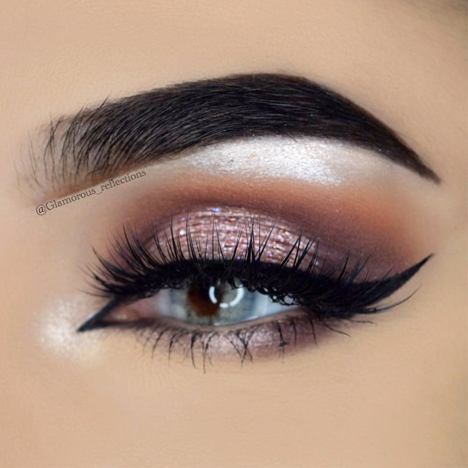 Cat Eye Eyeliner Makeup Idea for Grey Eyes
