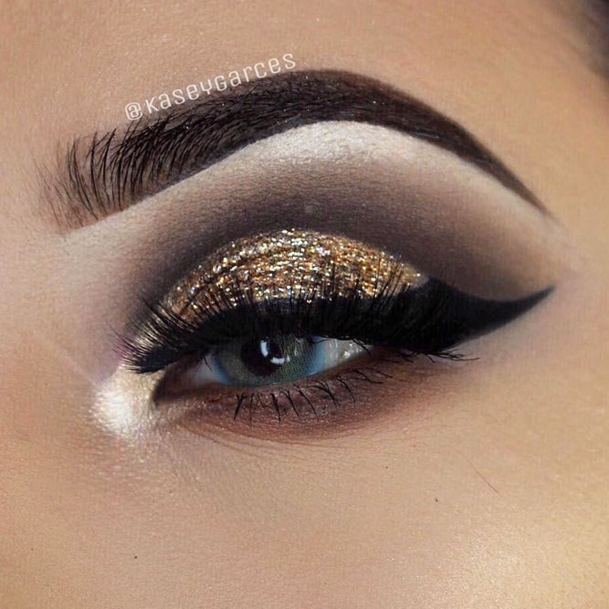 Angel Winged Eyeliner Makeup Idea