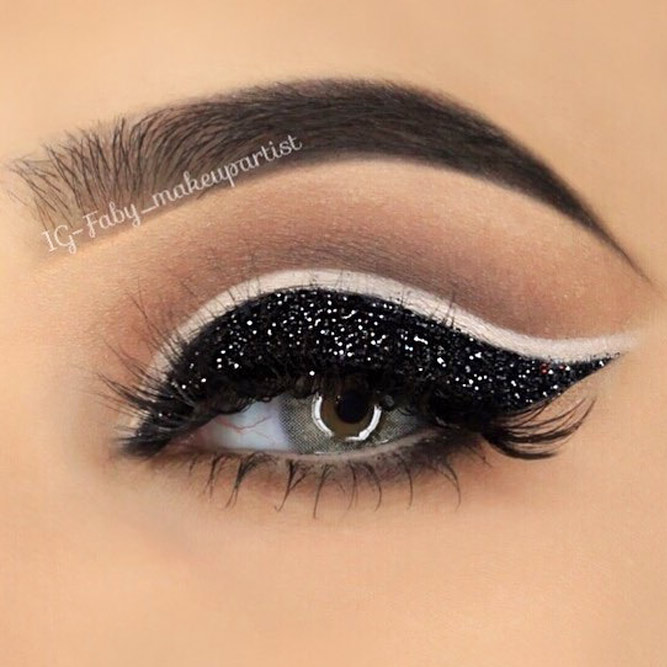 Black Smokey Eye Makeup for Pretty Girls