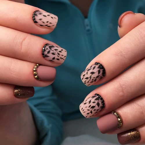 Stunning Homecoming Nail Ideas picture 3