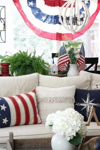 Living Room Decorations For Labor Day #laborday