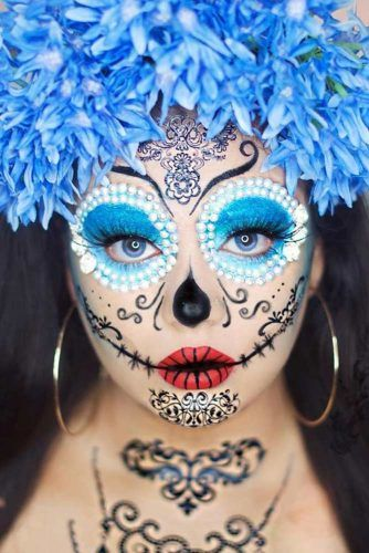 Blue Sugar Skull Makeup Idea #blueeyesart #pearls