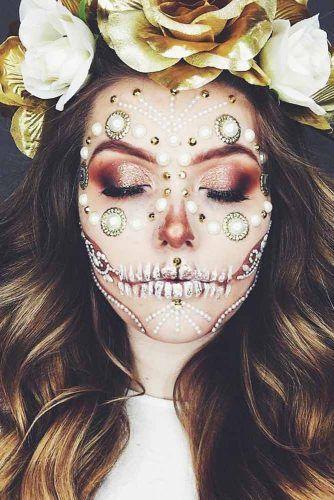 Pearls Sugar Skull Idea #pearls #smokeyeyes
