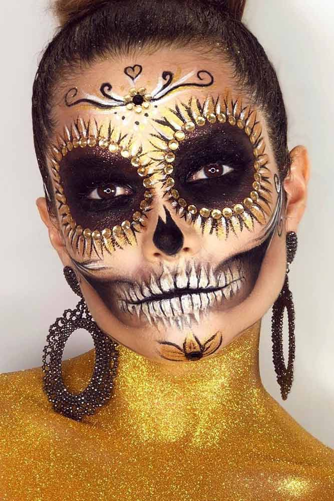 Gold Sugar Skull Idea #goldglitter #skeleton