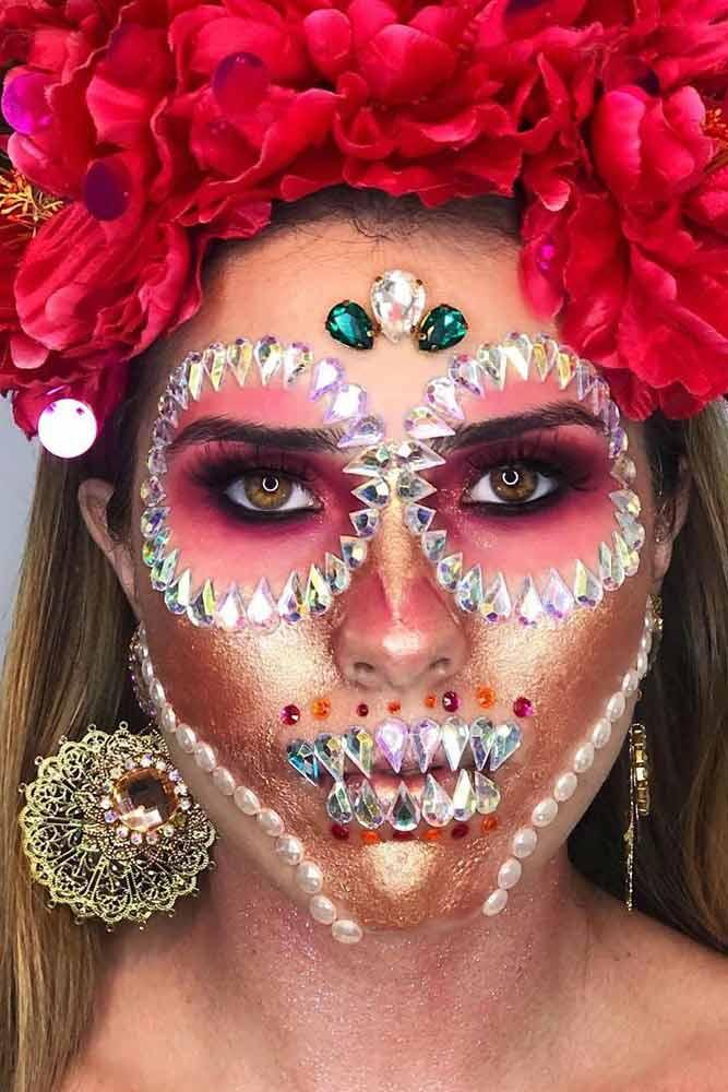 Sparkly Sugar Skull Makeup Idea #goldglitter #crystals