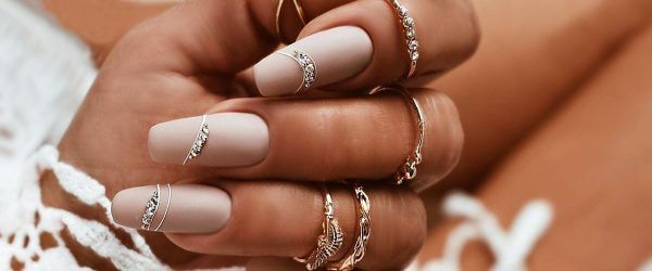 39 Top Newest Homecoming Nails Designs