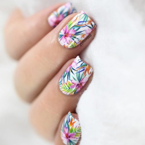 Tropical Summer Nails with a Flower Pattern picture 2