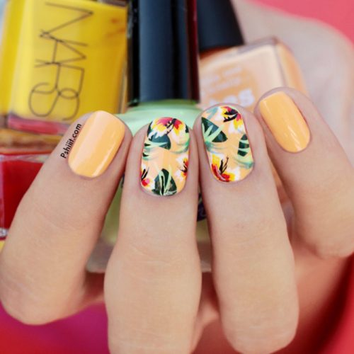 Tropical Summer Nails with a Flower Pattern picture 1