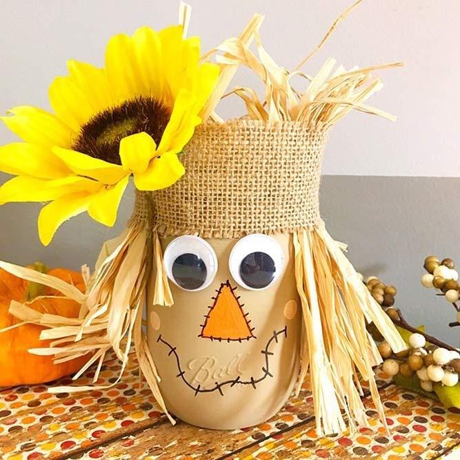 Scarecrow Mason Jar Idea #halloweenmasonjar