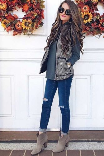 Pretty Classic Fall Look with Suede Ankle Boots