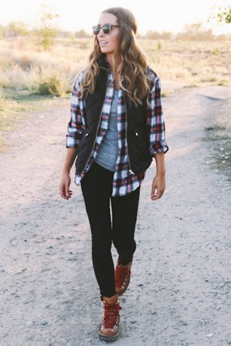 Popular Outfit Looks with a Flannel Shirt picture 1