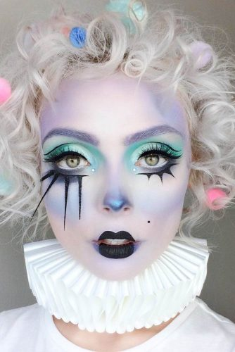 Pretty Halloween Makeup Looks picture 3
