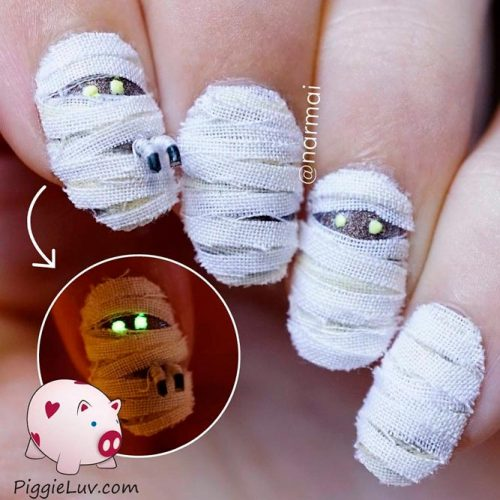 Spooky Mummies Nails #funnynails #scarynails