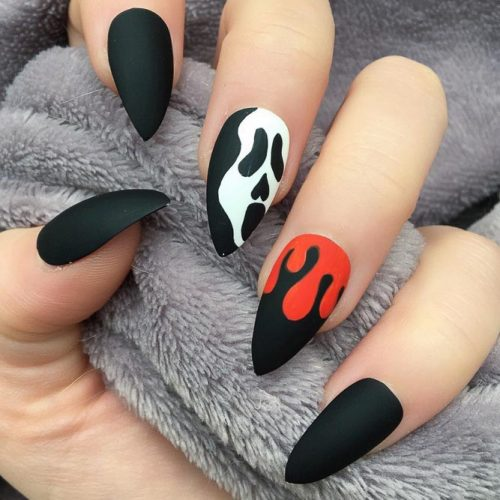 Scary Halloween Stilleto Nails