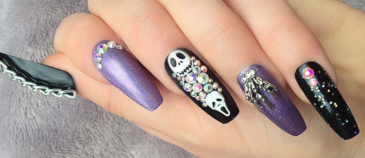 27 Cute and Creepy Halloween Nail Designs 2018