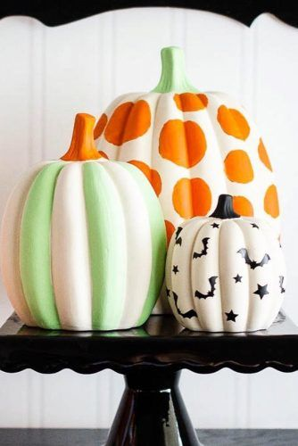 Simple Art For Pumpkins Decorations #polkadots #bats